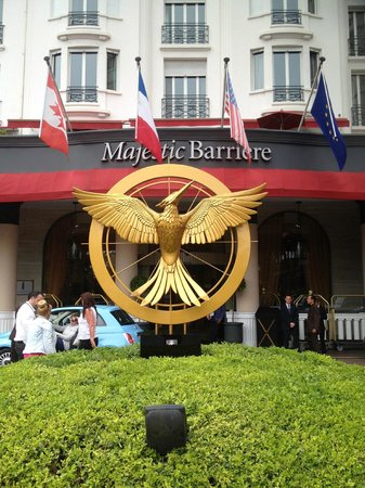 Hotel Barriere Le Majestic Cannes: Front of Hotel Majestic