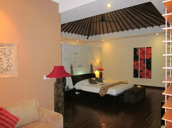 Ellora Villas : Room