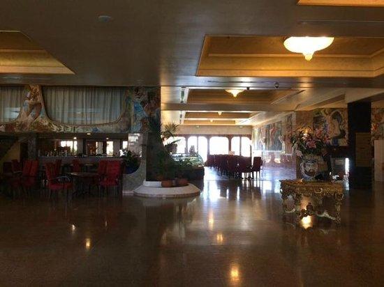 Hotel lobby picture of hilton giardini naxos giardini - Hilton hotel giardini naxos ...