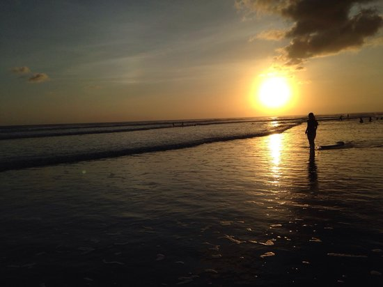 Seminyak Beach: no filter, its wonderful..