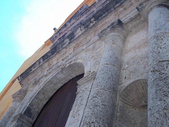 Templo de Santo Domingo : Iglesia de Santo Domingo, Cartagena, Colombia