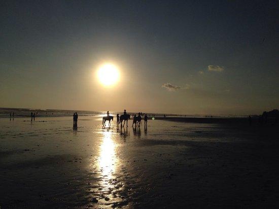 Seminyak Beach: riders in the sun