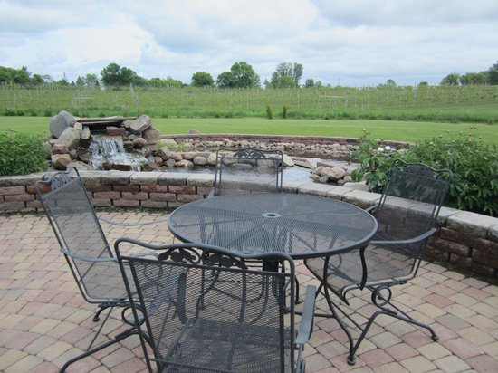Kimball, MN: Outdoor Sitting Area