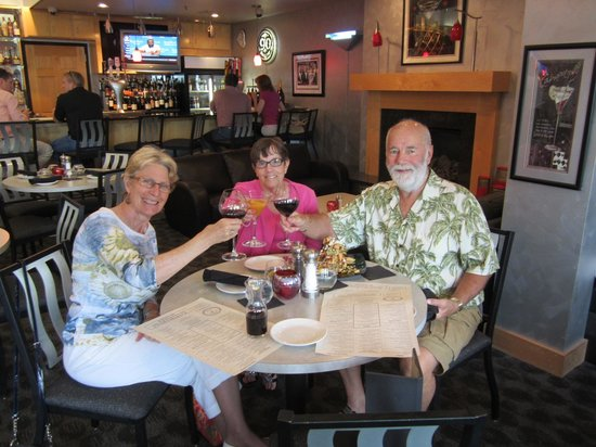 Iven's on the Bay: Dinner At Ivan's