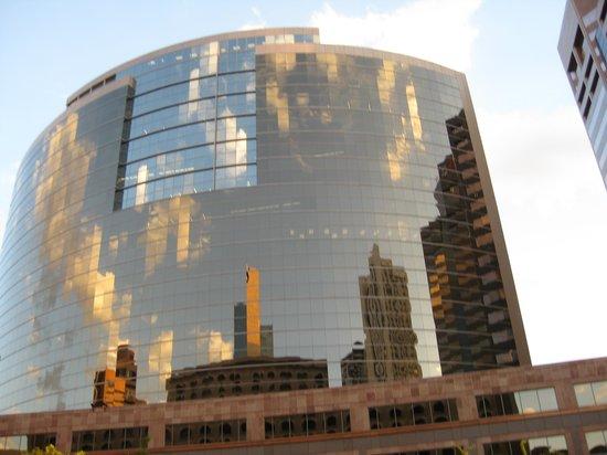 Renaissance Phoenix Downtown Hotel : View across the propery