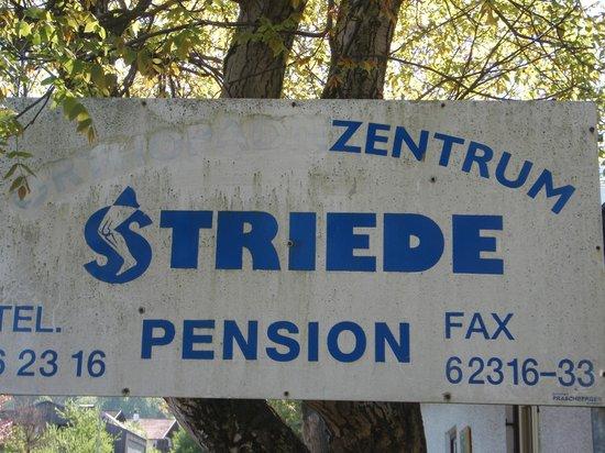 Pension Striede: Вывеска отеля