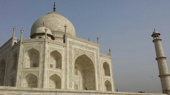 Sami World Travels: The Taj Mahal. Symmetry in Perfection.