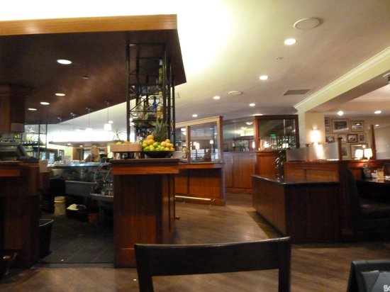 Los Angeles Marriott Burbank Airport: Property restaurant the Daily Grill