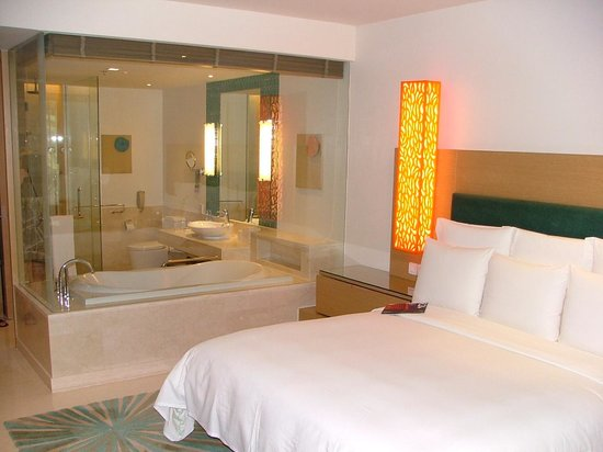 Renaissance Phuket Resort & Spa: Room