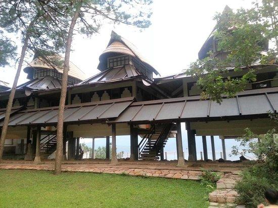 Ri Kynjai: Resort view