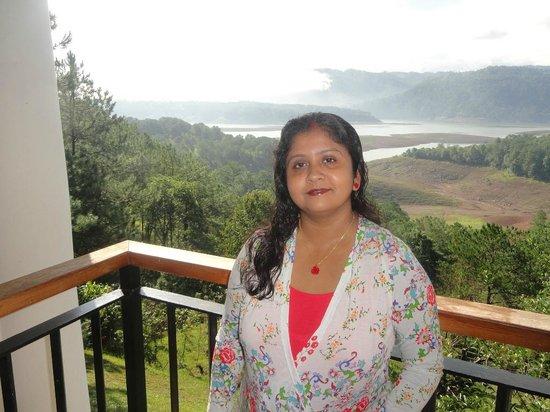 Ri Kynjai: Balcony