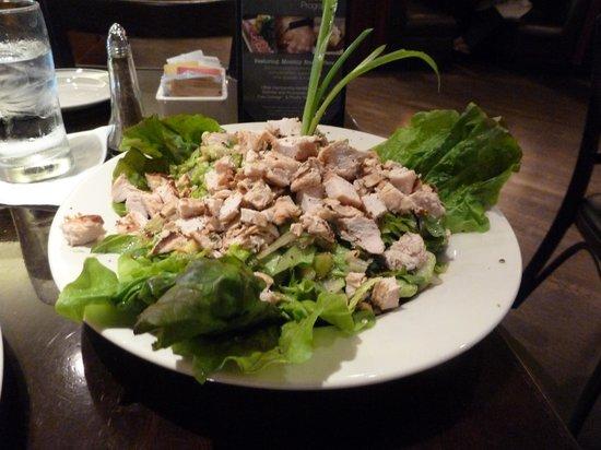 Daily Grill - Burbank Marriott Hotel: Salad
