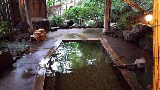 Ryokan Onuma : 離れの露天風呂「母里の湯」