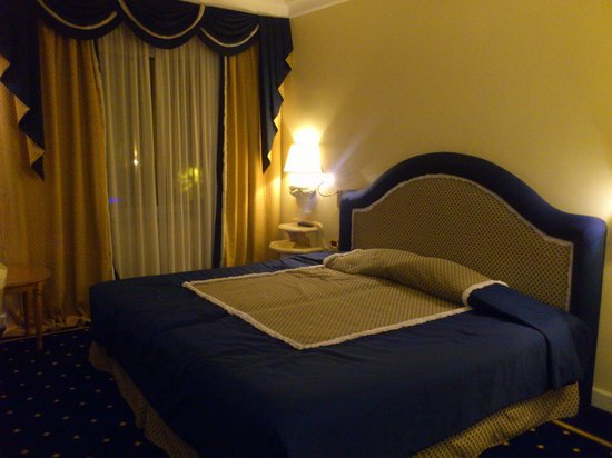 Royal Olympic Hotel : Superior Room