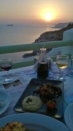 Athermi Restaurant Bar: Super Essen beim Sonnenuntergang