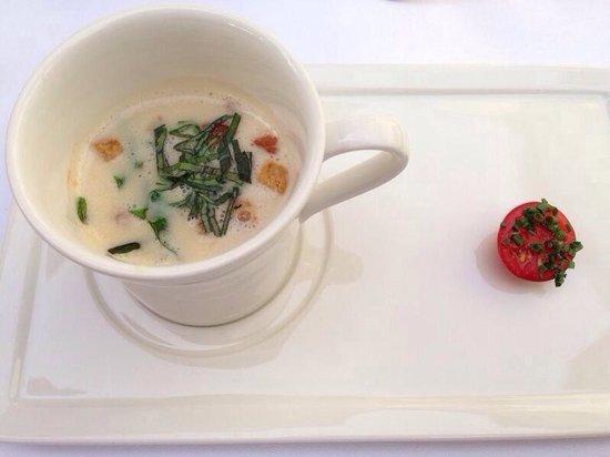 Landhaus Hotel Waitz: Helle Tomatensuppe--- ein Traum!