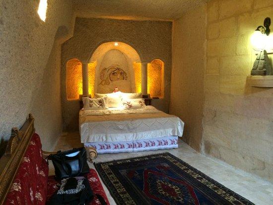 Gamirasu Cave Hotel: The bedroom