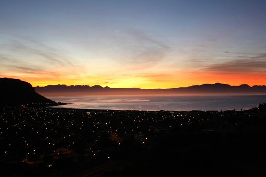 Afrizola: Sunrise at Afri Zola Guesthouse