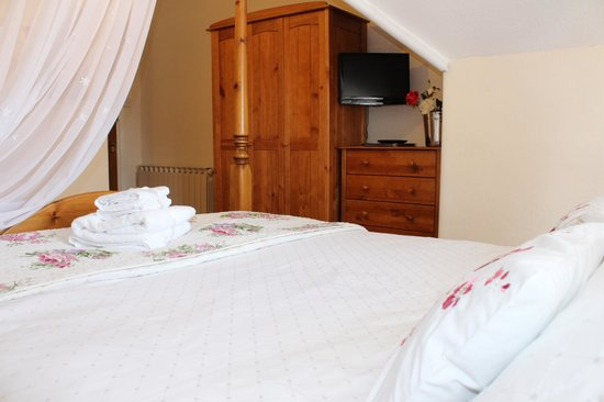 Beaches B and B: Four Poster en-suite