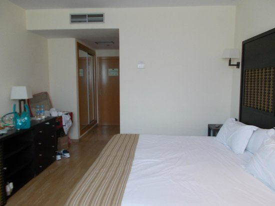 Sercotel Malaga: inside room