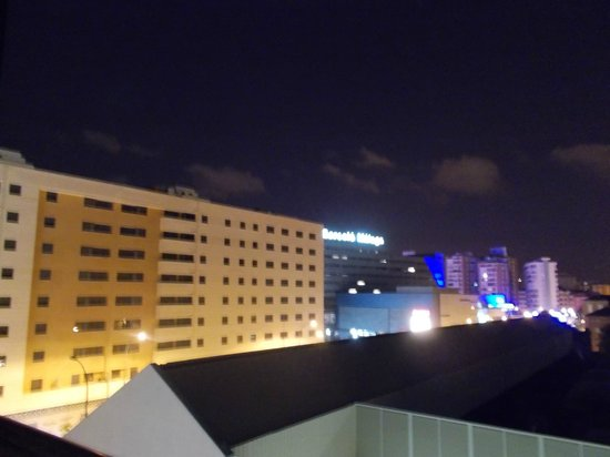 Hotel Silken Puerta Malaga: room view