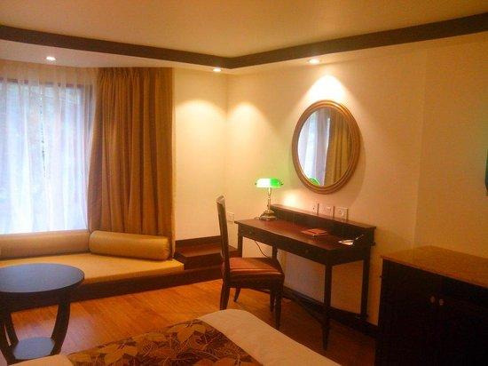 Hotel Senator Pine-n-Peak Pahalgam: Our room while our stay.