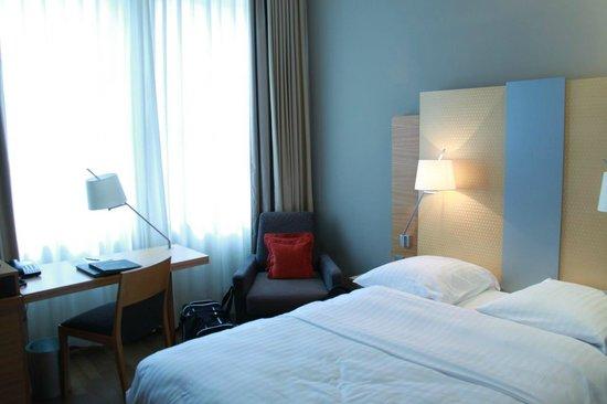 Hilton Cologne : 140 cm double bed
