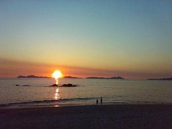 Praia Santa Baia Hotel: puesta de sol desde la playa