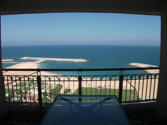 Four Seasons Hotel Alexandria: Marina & beach