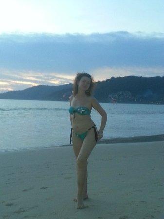 Thanthip Beach Resort : Ну не сезон уже на море, не сезон. Зато весело!