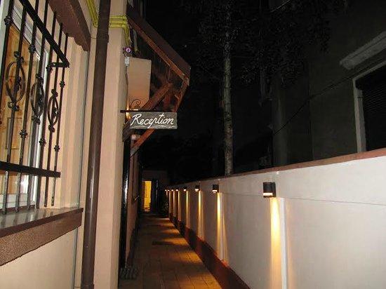 Crazy Duck Hostel: Reception