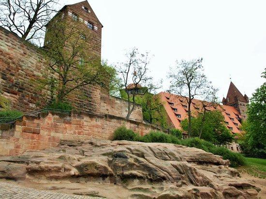 Kaiserburg Nürnberg: 岩盤の上に建っています