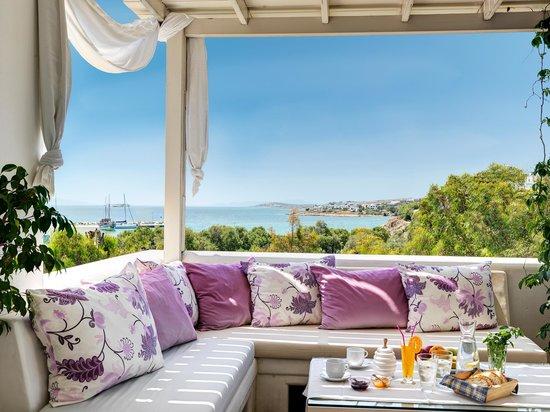 Aloni Hotel: Lobby,view