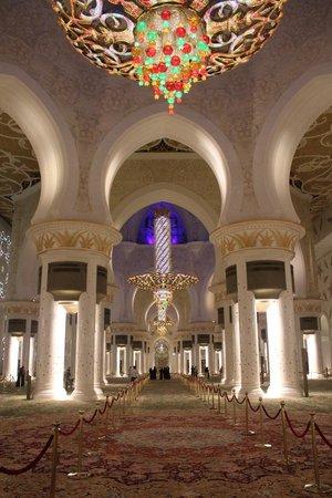 Scheich-Zayid-Moschee: Потрясающе