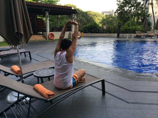 Sheraton Towers Singapore: Morning swim