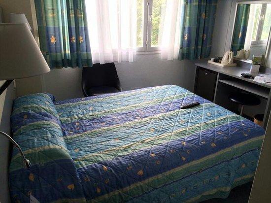 Hotel Restaurant Les Clairions: Première chambre très petite