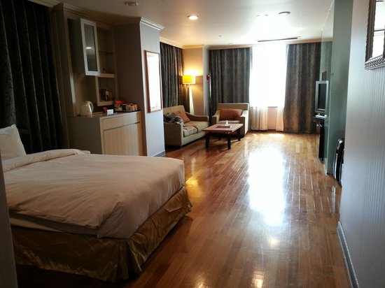 Ramada Hotel and Suites Seoul Namdaemun : the suite advertised on website