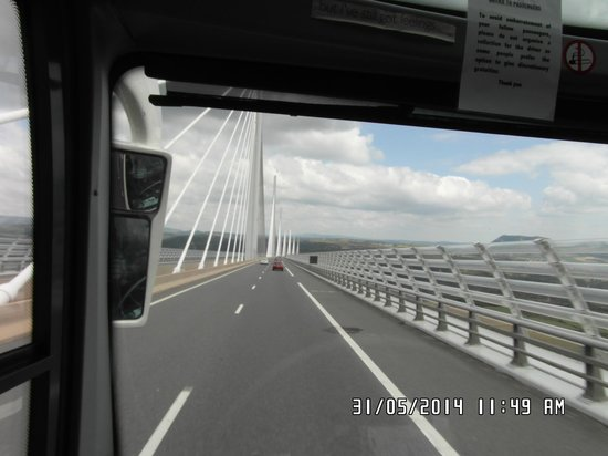 Viaduc de Millau : On the Bridge