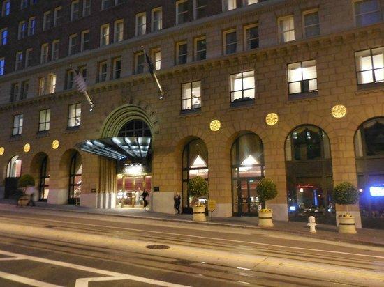Omni San Francisco Hotel: Omni hotel on California street