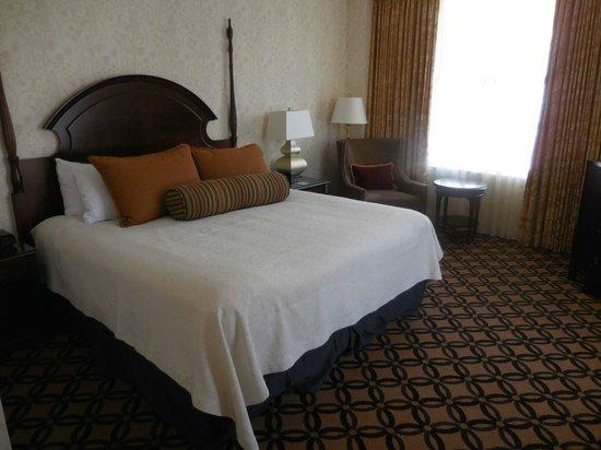 Omni San Francisco Hotel: Bedroom of suite
