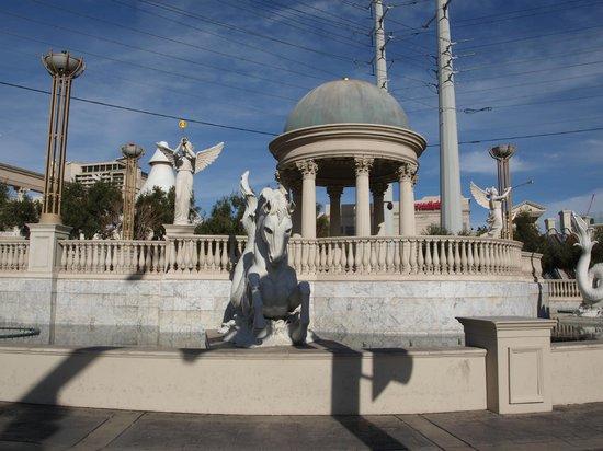 Caesars Palace: a l exterieur
