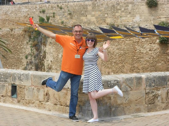 No Frills Excursions: Palmabus Excursion - Juan and Gemma!