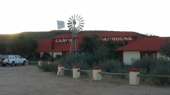 Canyon Roadhouse: Front view