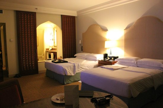 Atlantis, The Palm: Club room for 2 adults + 2 children