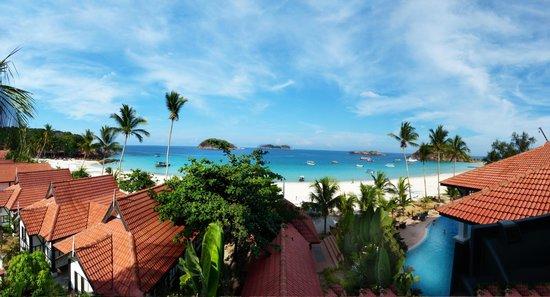 Sari Pacifica Hotel, Resort & Spa - Redang Island : Strand und Hotel Panorama