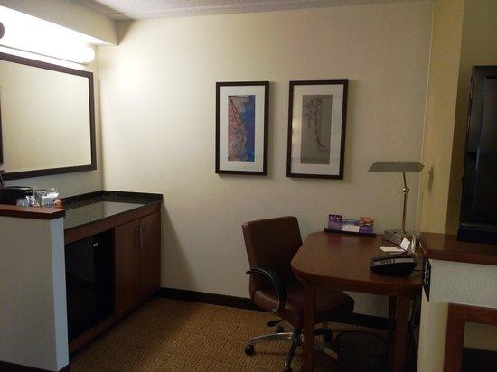 Hyatt Place Ft. Lauderdale Airport & Cruise Port: Desk area