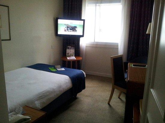 Holiday Inn London - Heathrow Ariel: Room facing courtyard