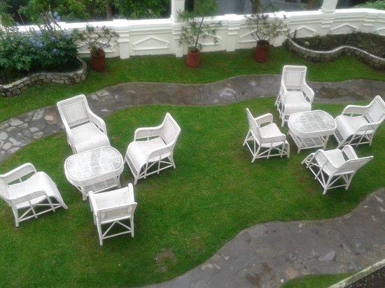 The Elgin, Darjeeling : garden