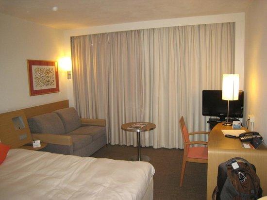 Novotel Amsterdam City : Good sized comfortable room