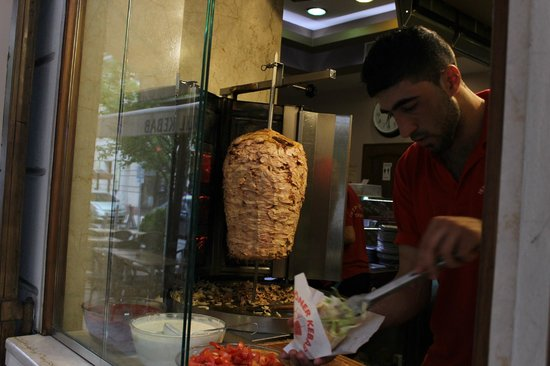Istanbul Kebab & Grill - Turkish Restaurant: Making the famous Gyros